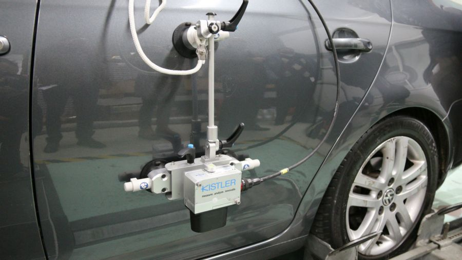 Cómo se miden consumo y emisiones en el banco de pruebas