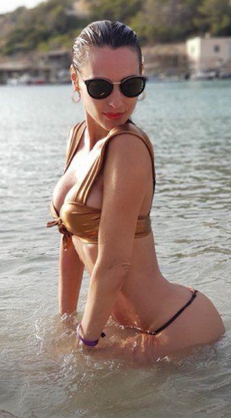 Las impactantes fotos de Pampita en la playa tras su separación de Mariano Balcarce