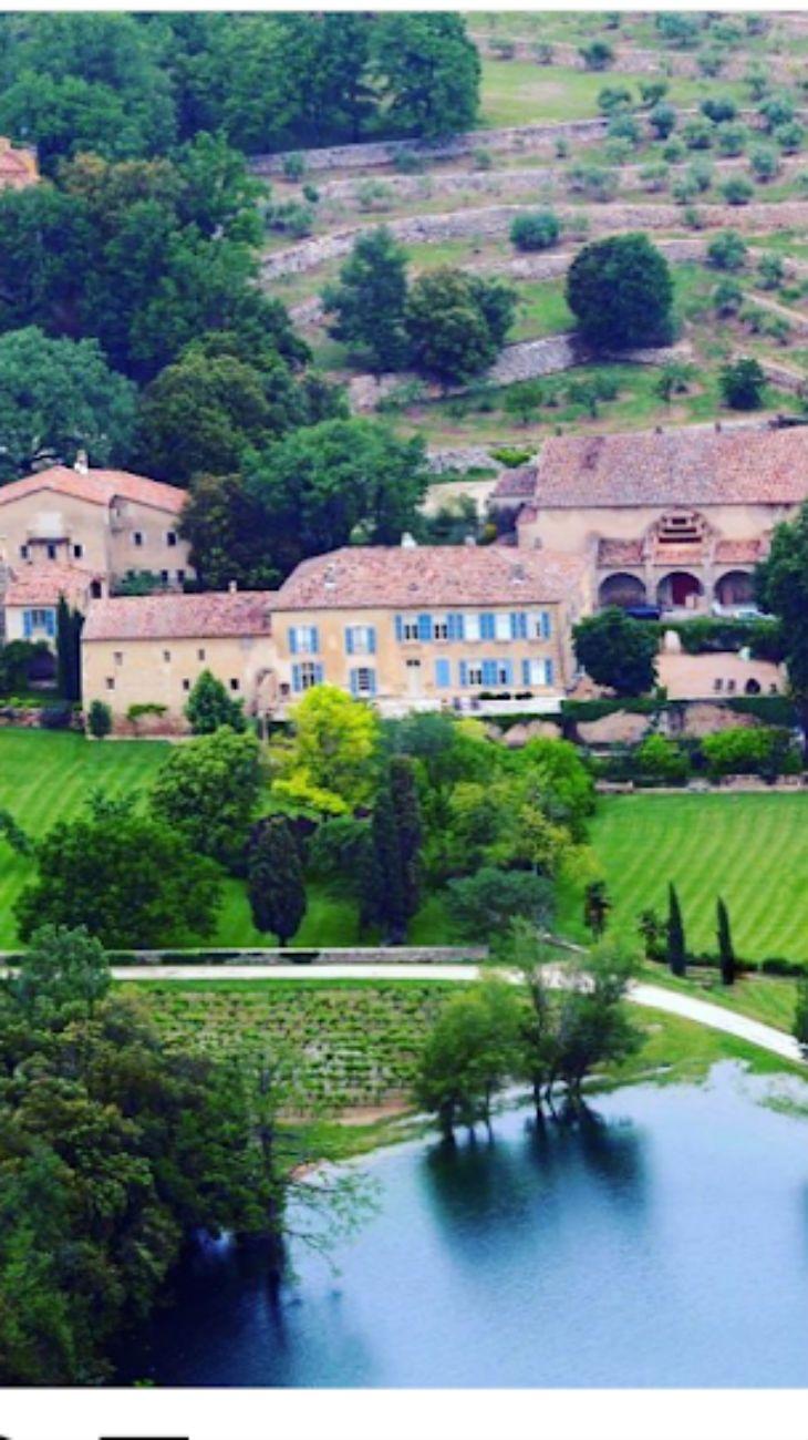 La mansión que desataría una nueva guerra entre Angelina Jolie y Brad Pitt