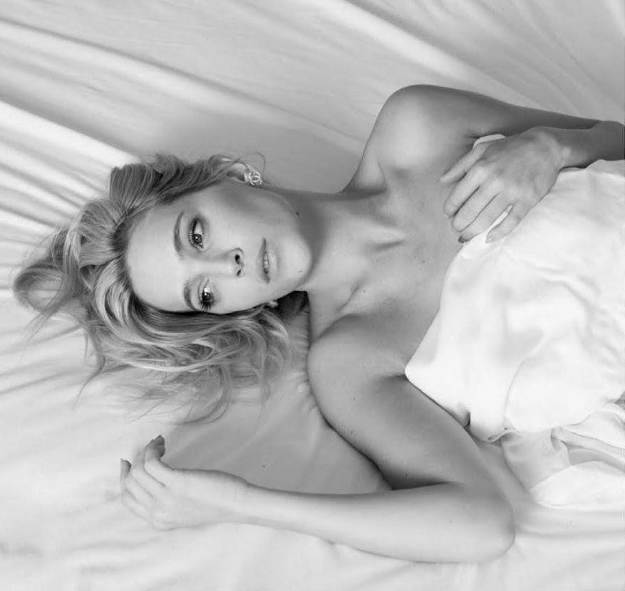 La foto hot de Luisana Lopilato en la cama