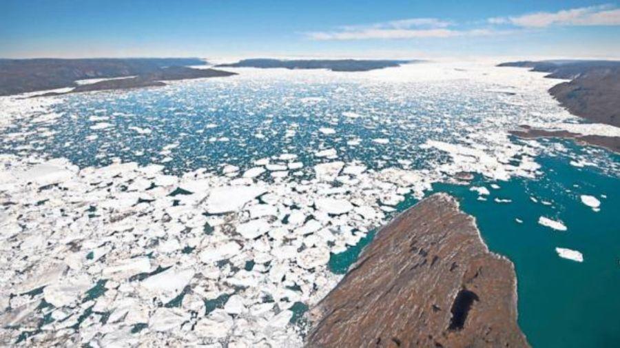 Impactante foto que muestra el deshielo en Groenlandia