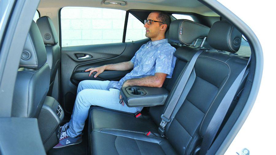 Todos los autos tendrán alerta de objetos en los asientos traseros