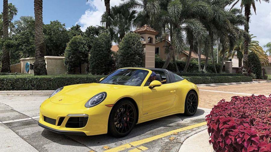 Porsche 911 GTS 4 Targa