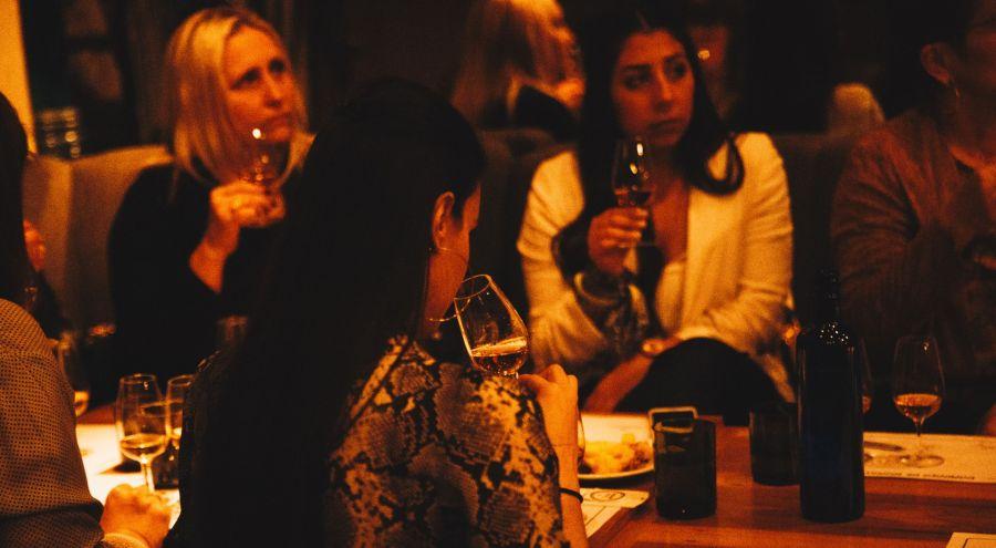El destilado ganó terreno entre las mujeres y demostró que, como todas, es una bebida sin género