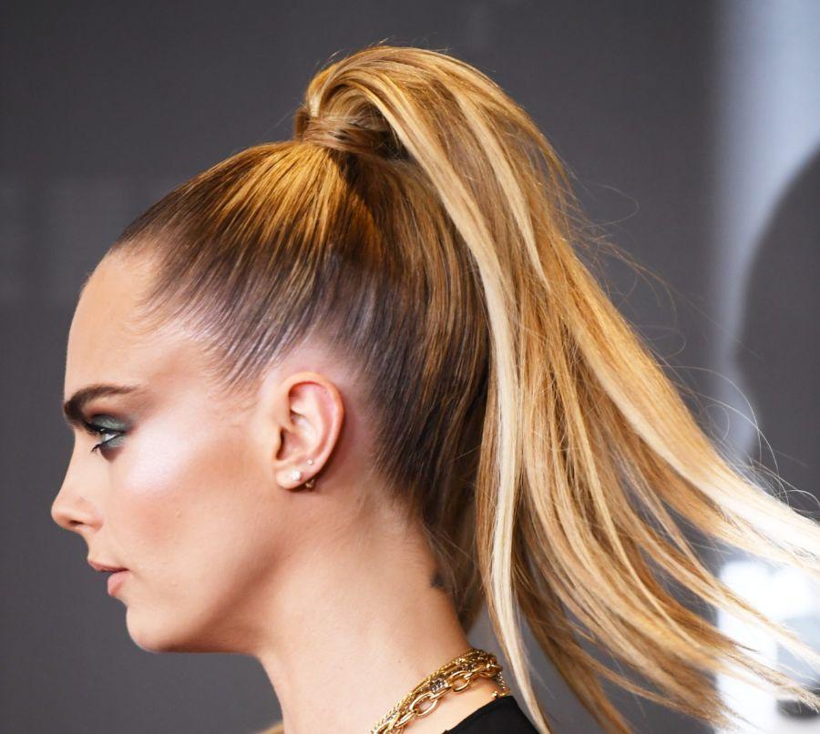 Así es el peinado que es tendencia total para salir de noche