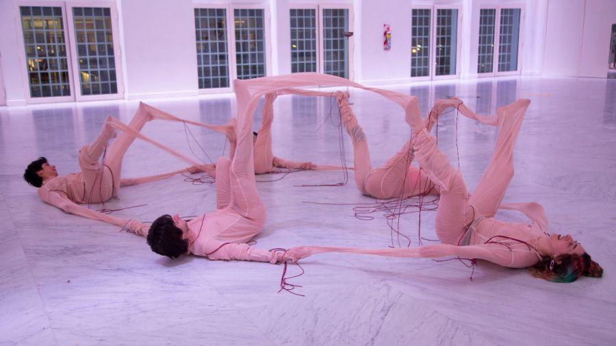 FAENA ART. Coreografías de Sal del artista Osías Yanov.