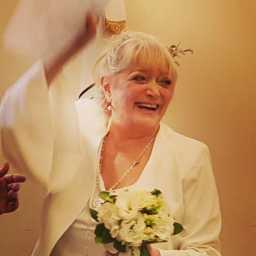 El álbum de fotos del soñado casamiento de Graciela Pal, a sus 72 años