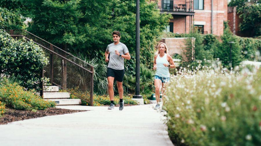 Mantenerse activo es fundamental para cuidar el corazón.