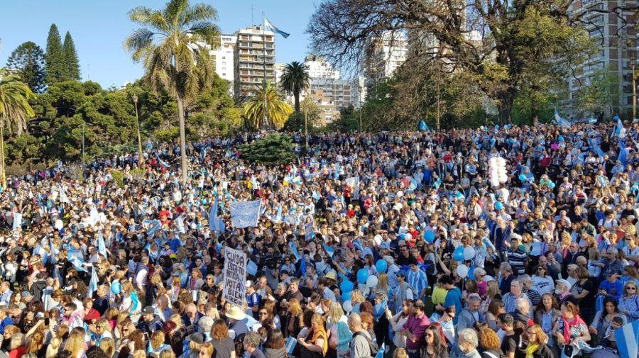 La masiva movilización en el barrio porteño de Belgrano. Foto: Juan Obregón.