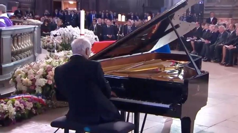 Daniel Barenboim interpreta a Schubert en la ceremonia a Chirac.