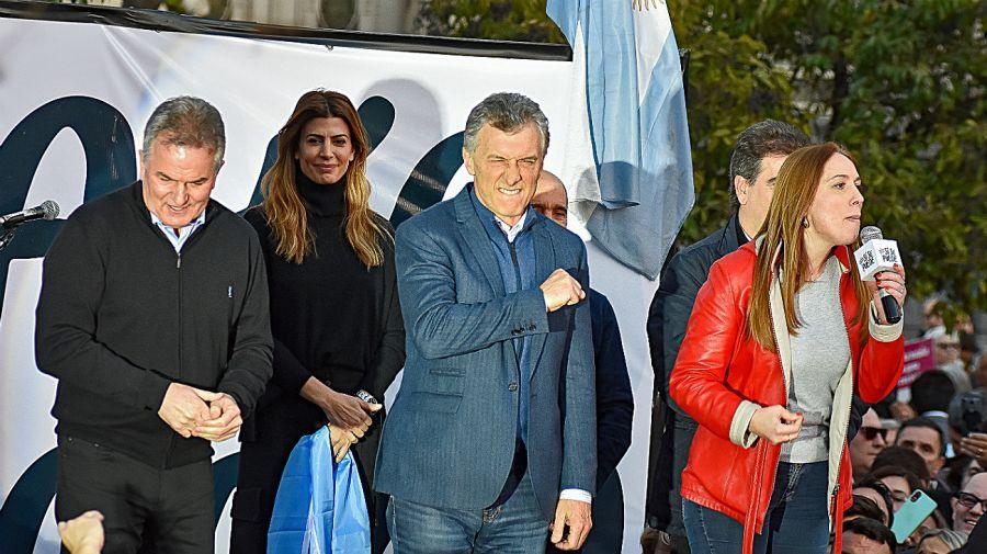 Mauricio Macri de campaña en Bahía Blanca.