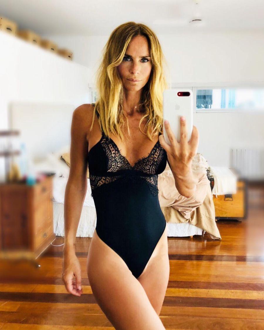 Sabrina Rojas también tiene sus fotos hot