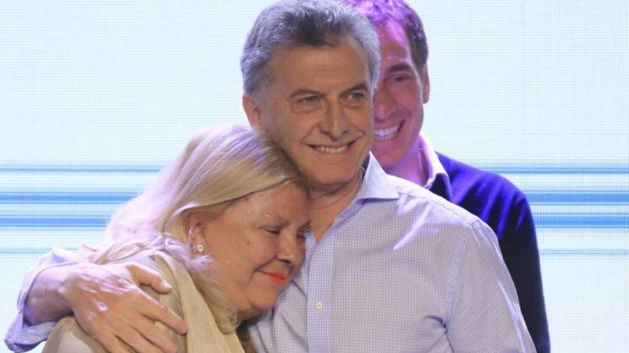 Abrazo_Carrió_Macri