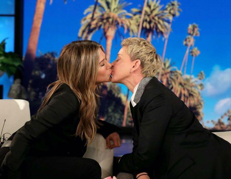 La foto viral de Jennifer Aniston a los besos con Ellen DeGeneres