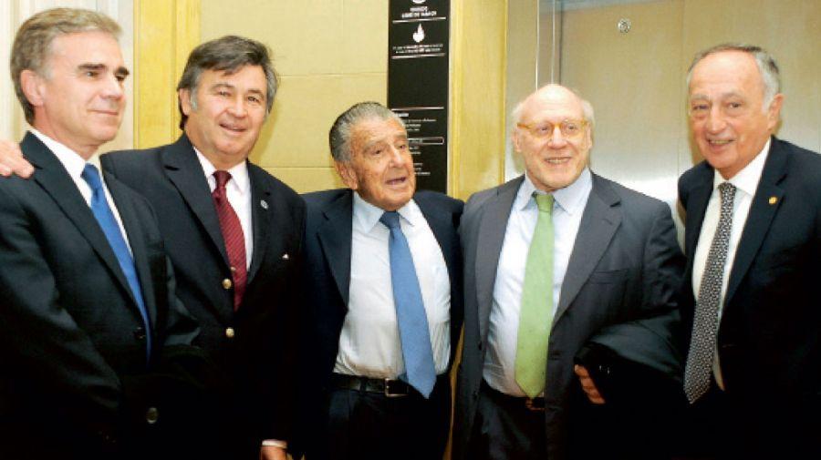 Marcelo Elizondo, Daniel Pelegrina, Eurnekian, Julio Crivelli y Acevedo.
