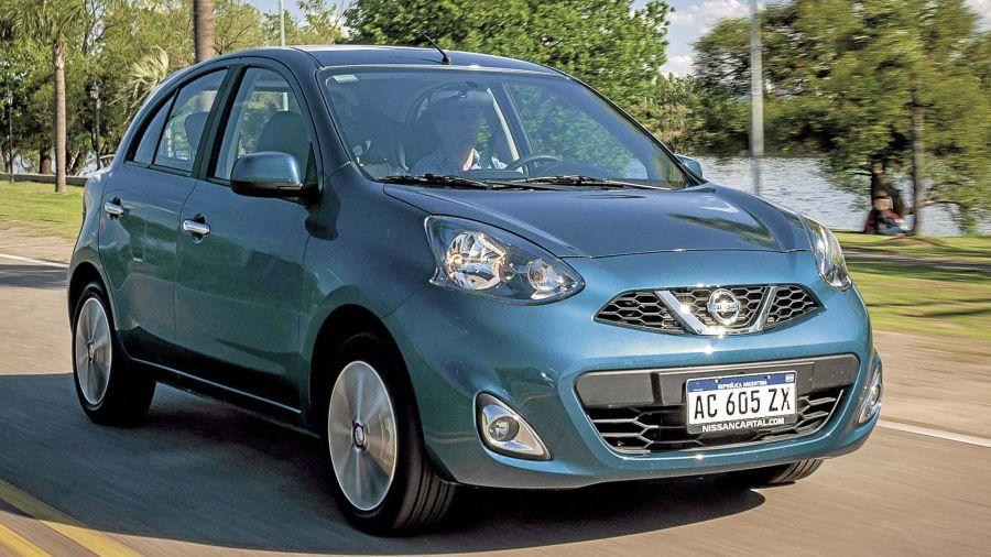 Nissan March Advance AT / VW Gol Trend Comfortline Tiptronic