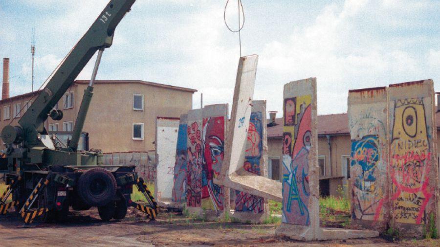 El fragmento del Muro que fue trasladado de Berlín a Perfil