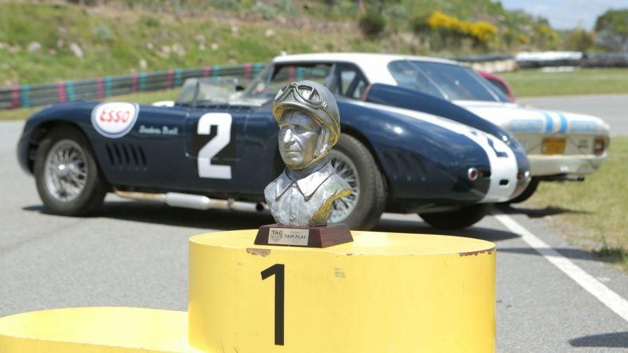 Manejamos los autos de la colección del Museo Fangio
