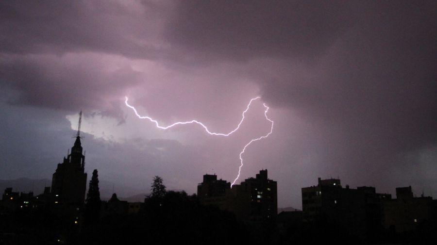 tormenta electrica rayos mendoza g_20191113