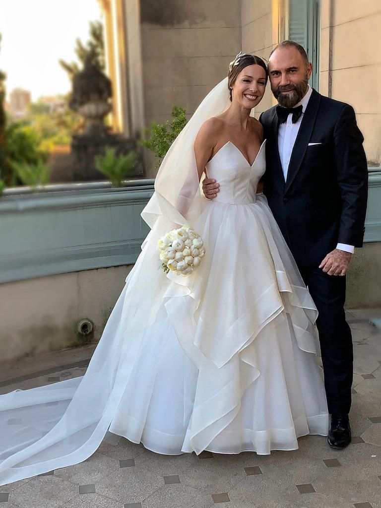 Casamiento de Pampita: Así es el vestido que lució en su boda