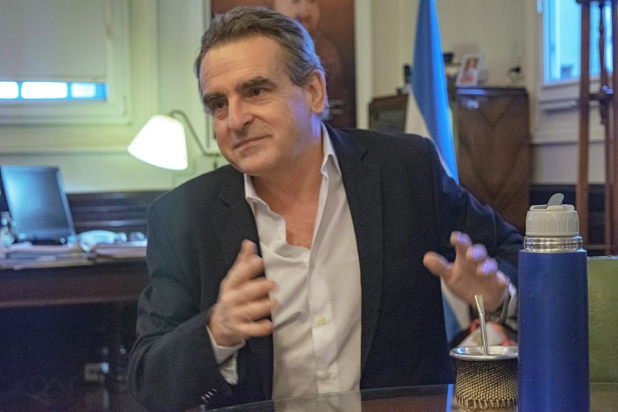 Entrevista con Agustín Rossi.