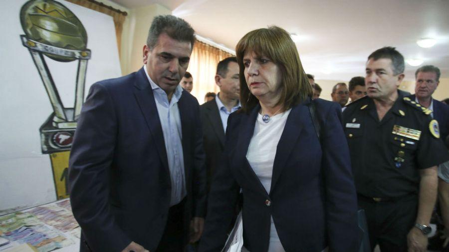 La ministra de Seguridad, Patricia Bullrich, junto a Cristian Ritondo.