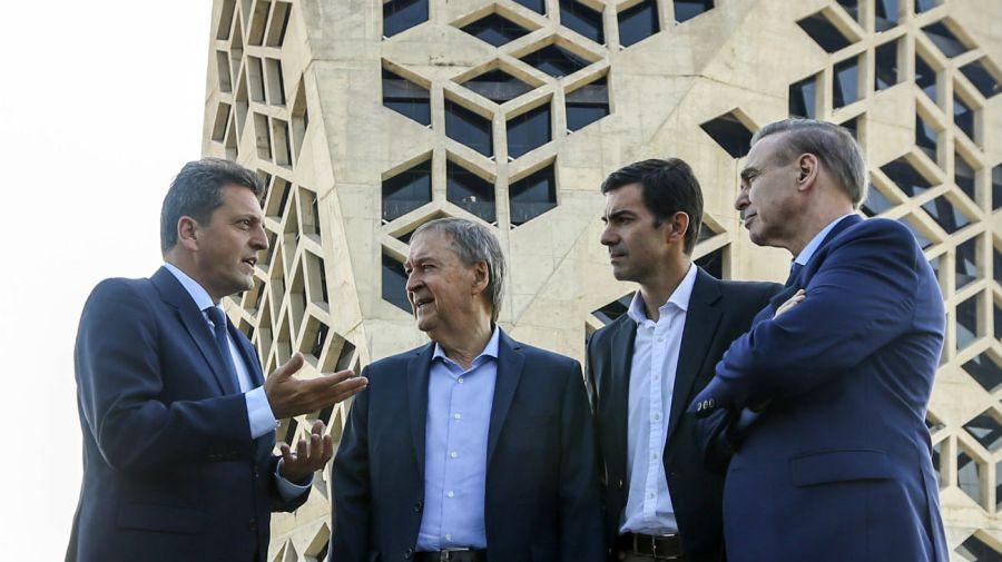 Los referentes de Alternativa Federal Sergio Massa, Juan Schiaretti, Juan Manuel Urtubey y Miguel Pichetto en Córdoba.