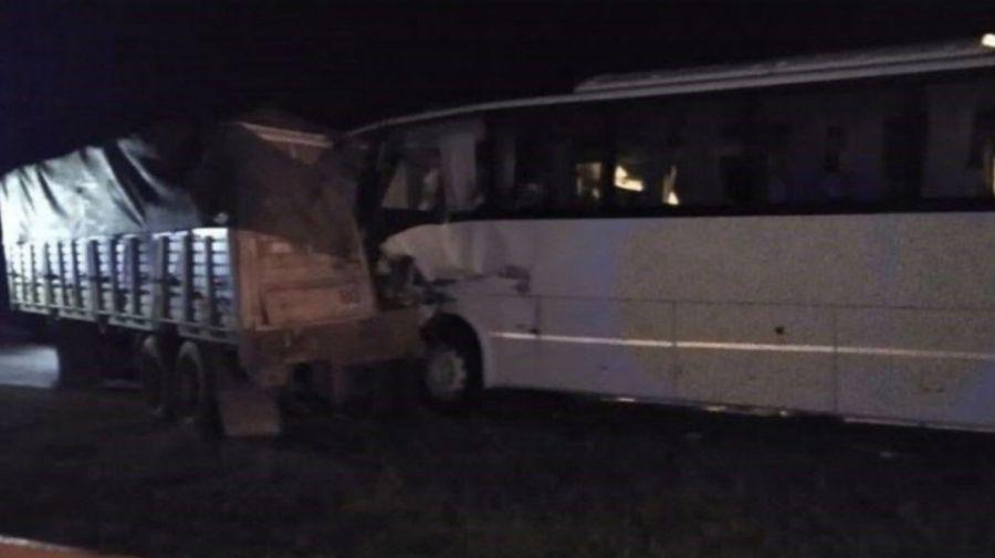 El accidente sucedió esta madrugada en la Autopista Santa Fe-Rosario.