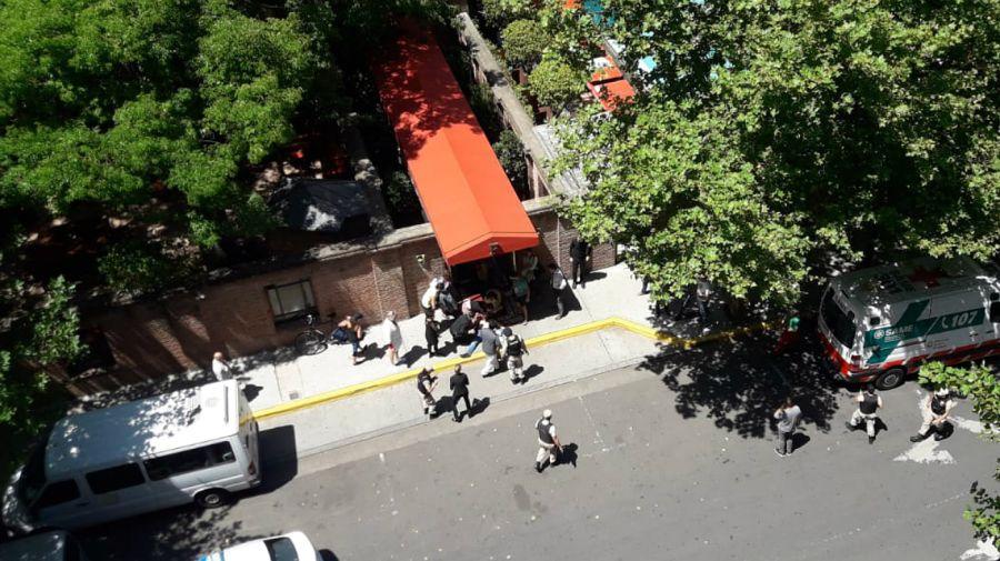 Conmoción en Puerto Madero por el violento asalto a dos turistas frente al Hotel Faena.
