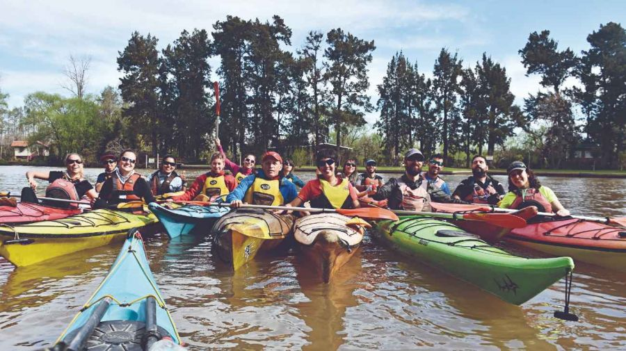 1612_kayak_delta_parana