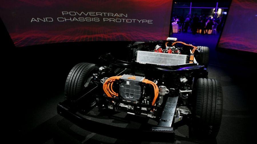 Ferrari posterga el lanzamiento de su auto ciento por ciento eléctrico