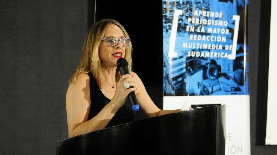Fernanda Villosio, profesora y Editora de Noticias brindó un emotivo discurso