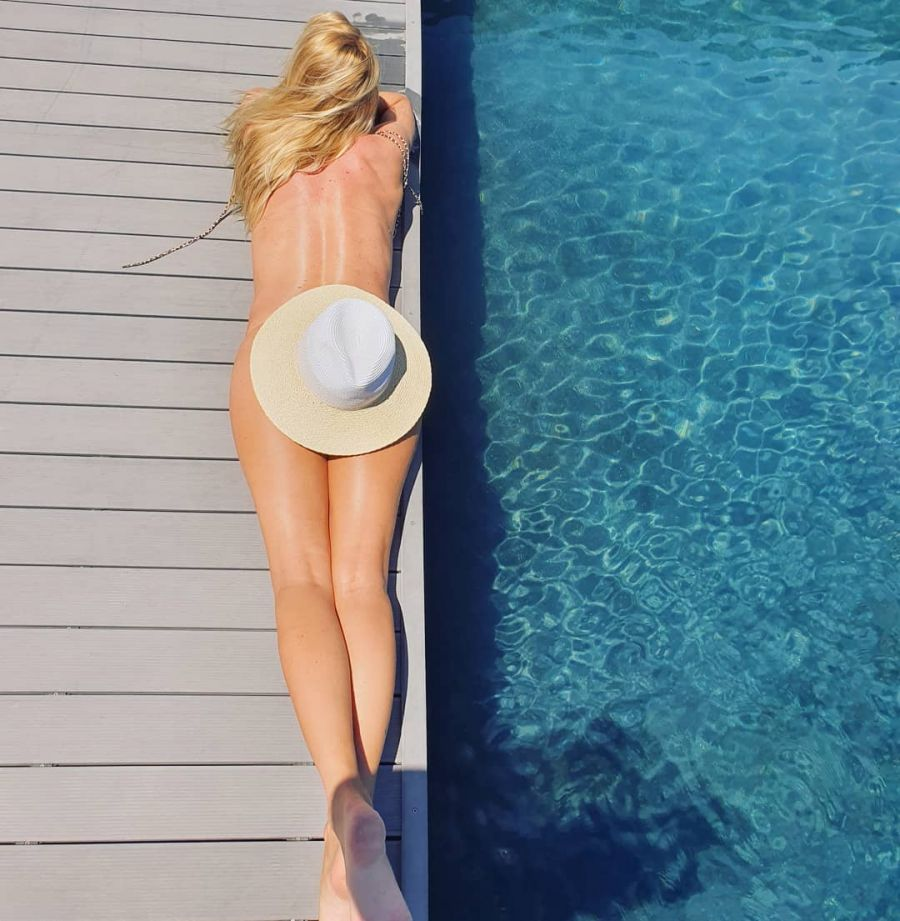 Nicole Neumann desnuda