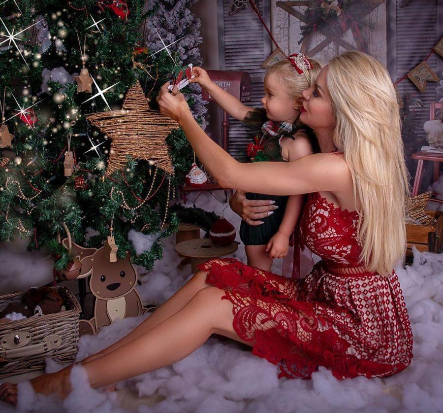 Luciana y Matilda Salazar en Navidad