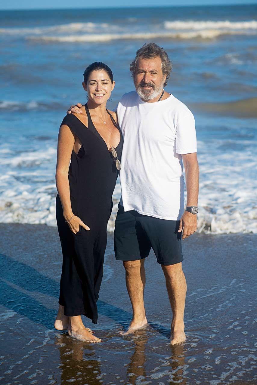 Daniel Vila con Pamela David en Pinamar