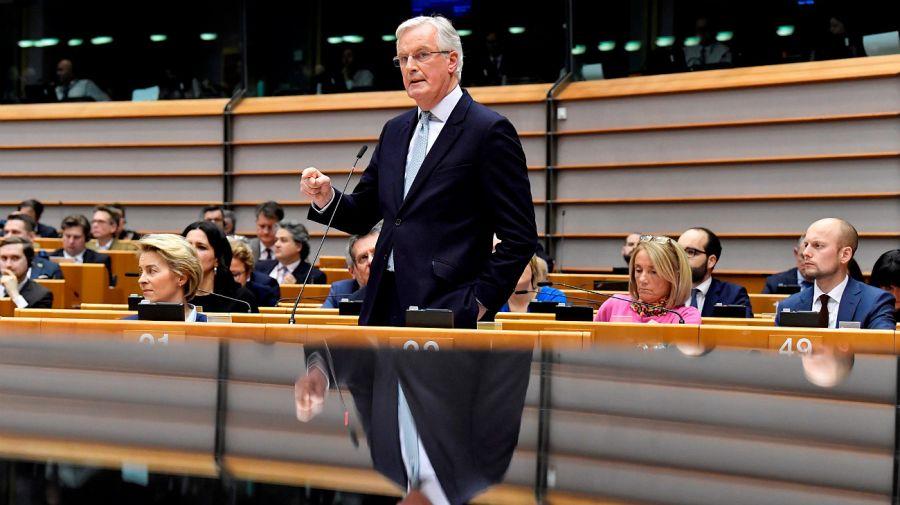 Michel Barnier, jefe negociador de la Comisión Europea, durante la sesión.