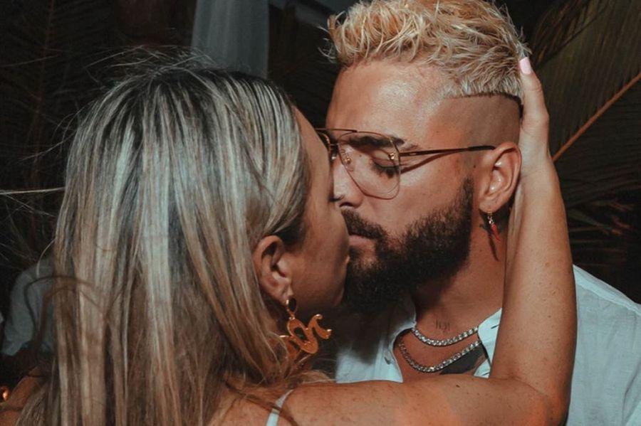 Fuerte repudio por las imágenes de Maluma besando a su mamá