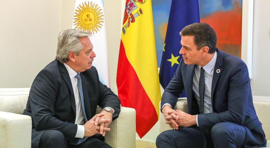 Alberto Fernández y el presidente de España 20200204