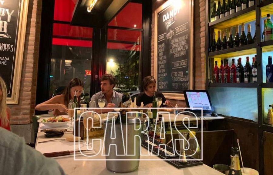 FOTOS  Pampita volvió a Buenos Aires y festejó San Valentín con García Moritán
