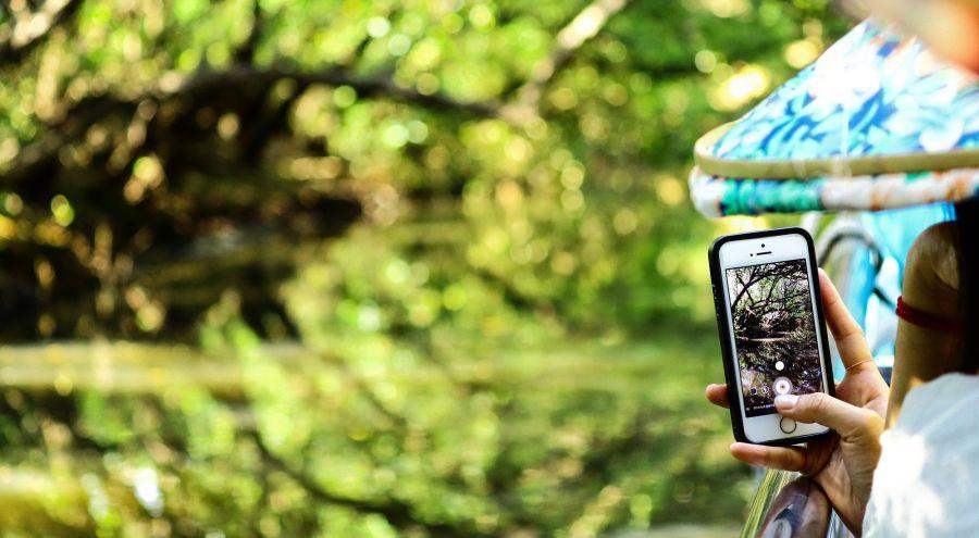 Tech nech: el mal del celular que genera manchas y arrugas en la piel