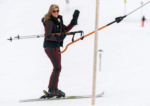 Máxima de Holanda y su familia en Lech am Arlberg, Austria.