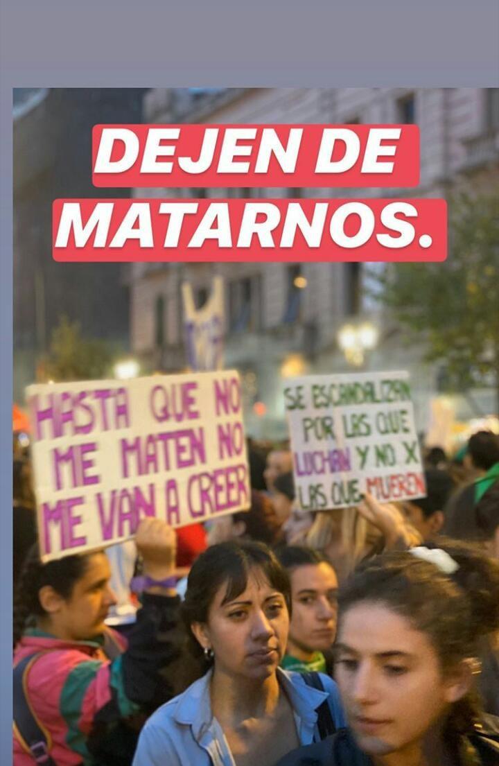 La China Suárez sorprendió en la marcha de mujeres y pidió: