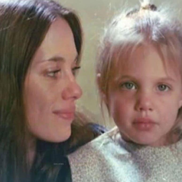 Angelina Jolie y su mamá