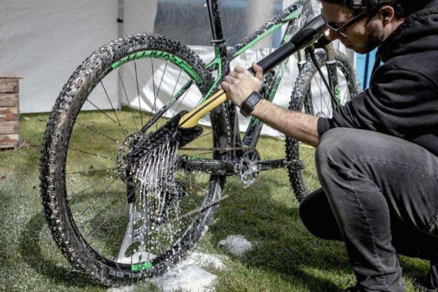 2703_bicicleta_mantenimiento