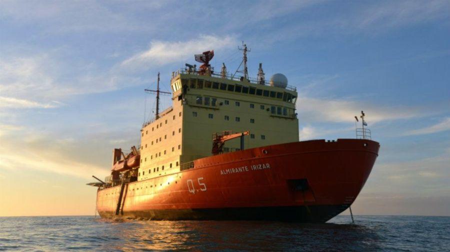 Piden utilizar al rompehielos Irízar como buque hospital
