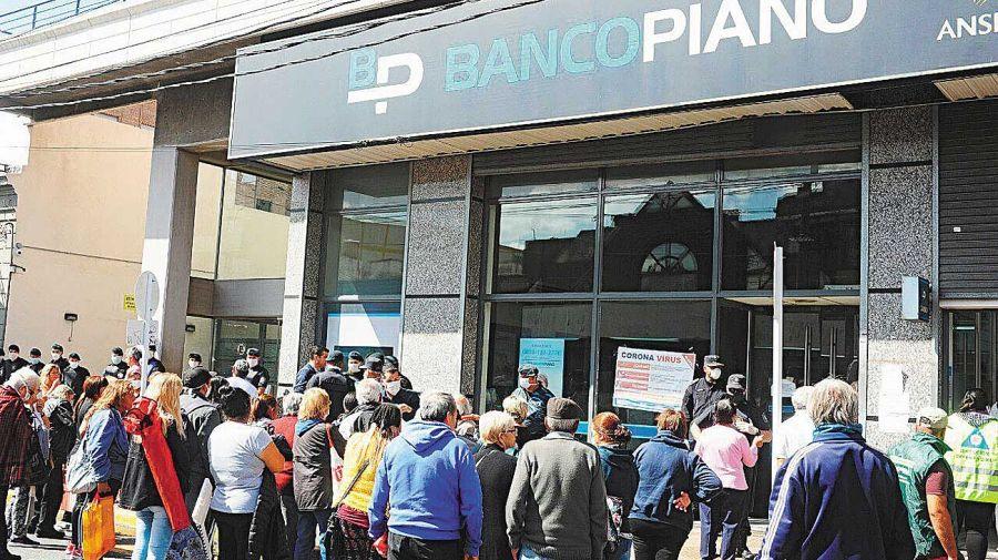 20200405_banco_filas_jubilados_silvestro_g