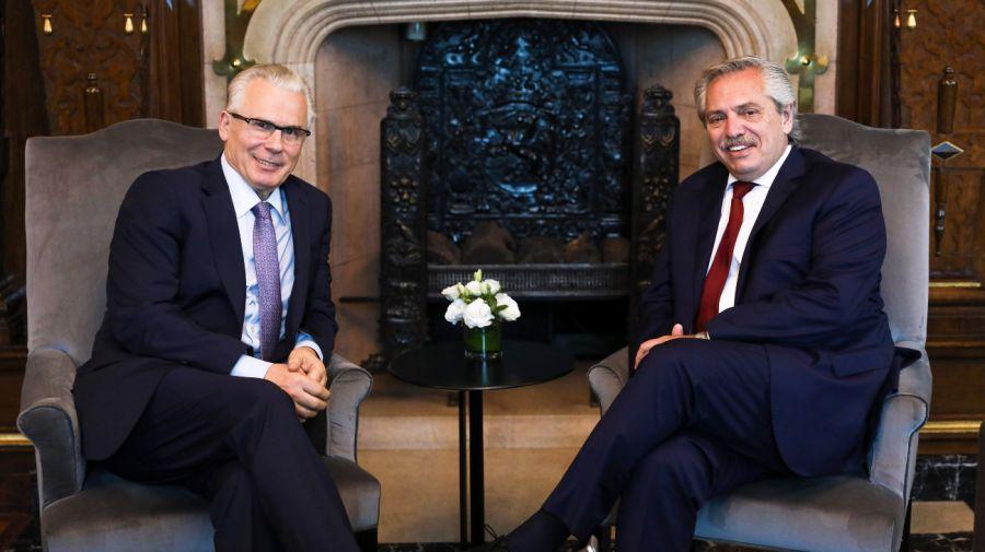 Archivo. Baltasar Garzón durante una reunión en enero pasado junto al presidente Alberto Fernández.