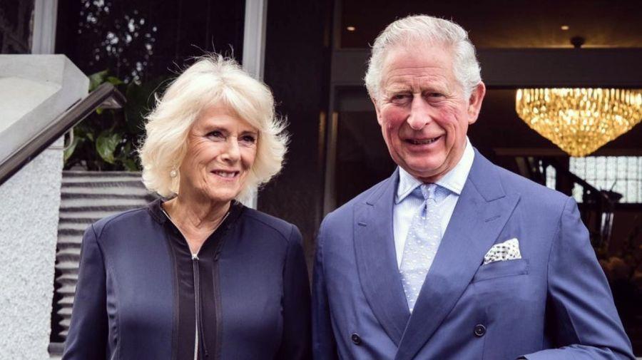 El peor momento de Camilla Parker, la esposa de Carlos: confinada y desplazada por la Reina