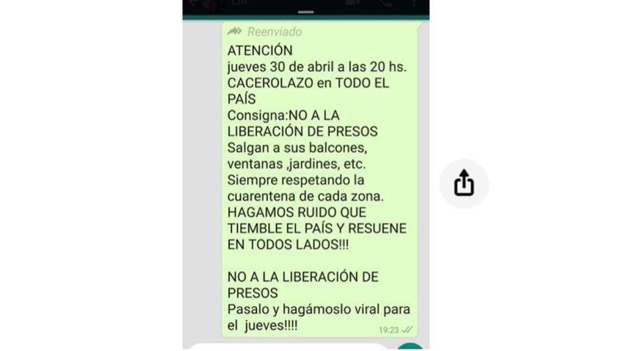 whatsapp cacerolazo 20200429