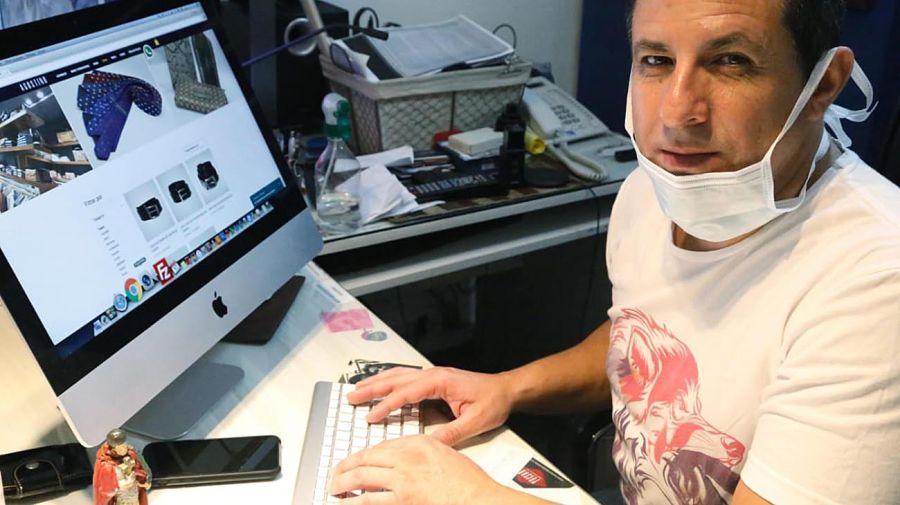 Gustavo Arce, marca de indumentaria Agustino 20200430